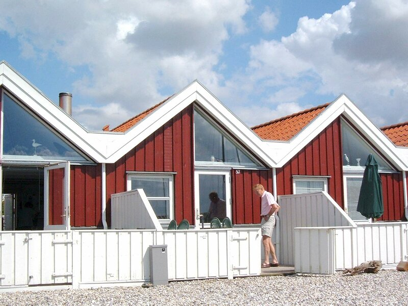 Quaint Holiday Home in Nibe with Terrace, holiday rental in Aalborg