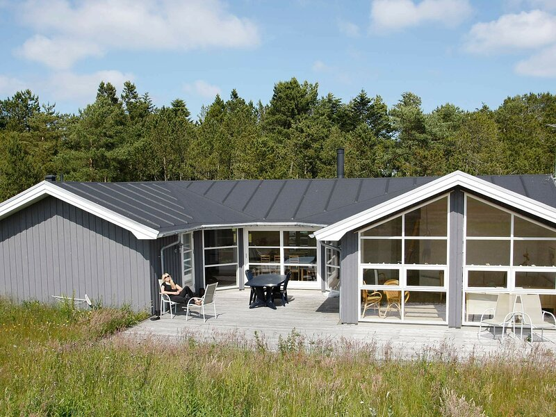 Modern Holiday Home in Jerup with Sauna, vacation rental in Bratten