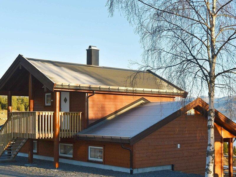 6 person holiday home in Blaksæter, location de vacances à Nordfjordeid