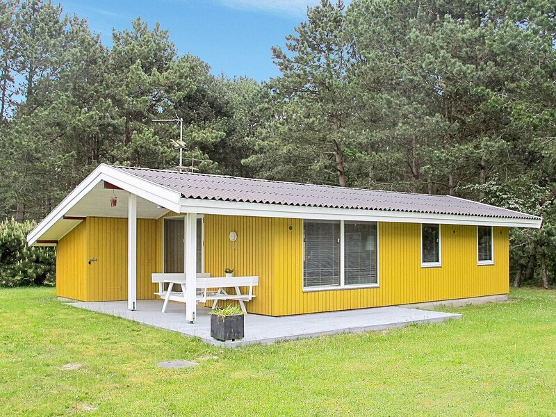 Bright Holiday Home in Lolland Denmark with Terrace, holiday rental in Maribo