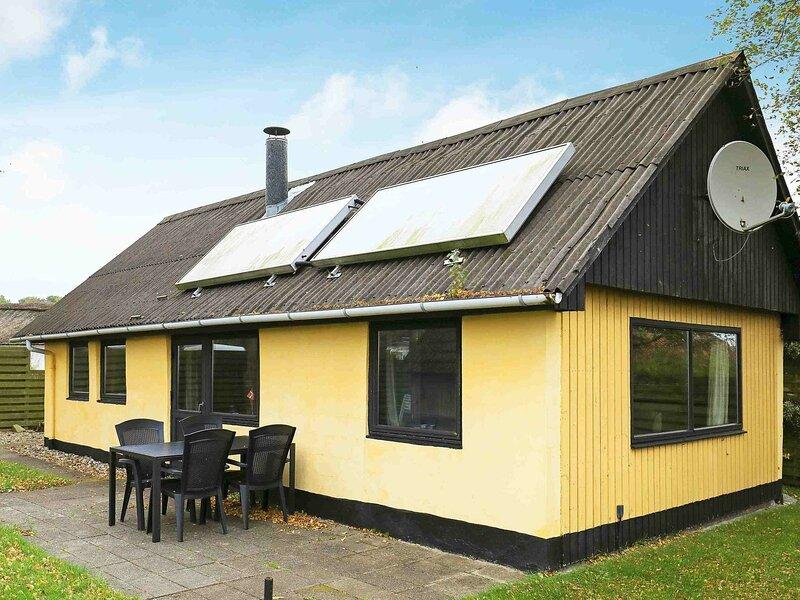 Alluring Holiday Home in Jutland Denmark with Garden, location de vacances à Jorsby