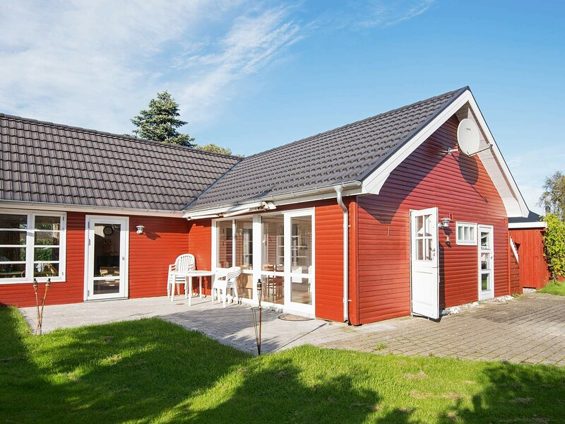 Lovely Holiday Home in Jutland Midtjylland with Garden, holiday rental in Balle