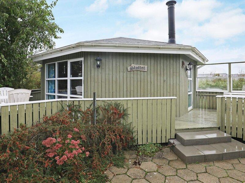 Elegant Holiday Home in Vinderup with Carport, holiday rental in Vinderup