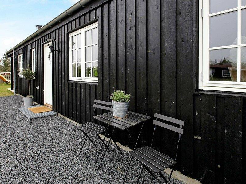 Contemporary Holiday Home in Hals with Garden, location de vacances à Hals