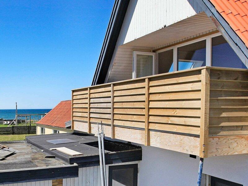 Beautiful Apartment in Lokken with Balcony, casa vacanza a Rubjerg
