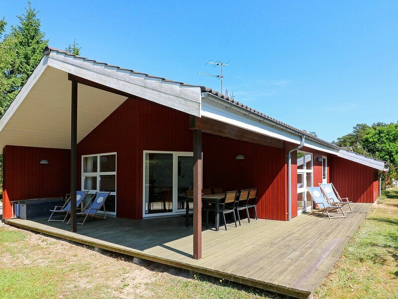 Welcoming Holiday Home in Hadsund with Terrace, casa vacanza a Mariagerfjord Municipality