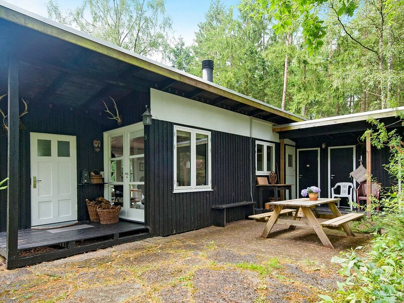 Cozy Holiday Home in Bryrup with Terrace, casa vacanza a Kjellerup