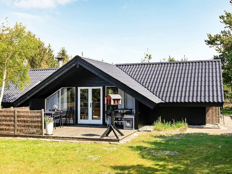 Magnificent Holiday Home in Saltum with Terrace, holiday rental in Pandrup