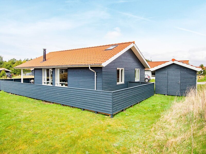 Luxurious Holiday Home in Jutland with Spa, holiday rental in Vederso Klit
