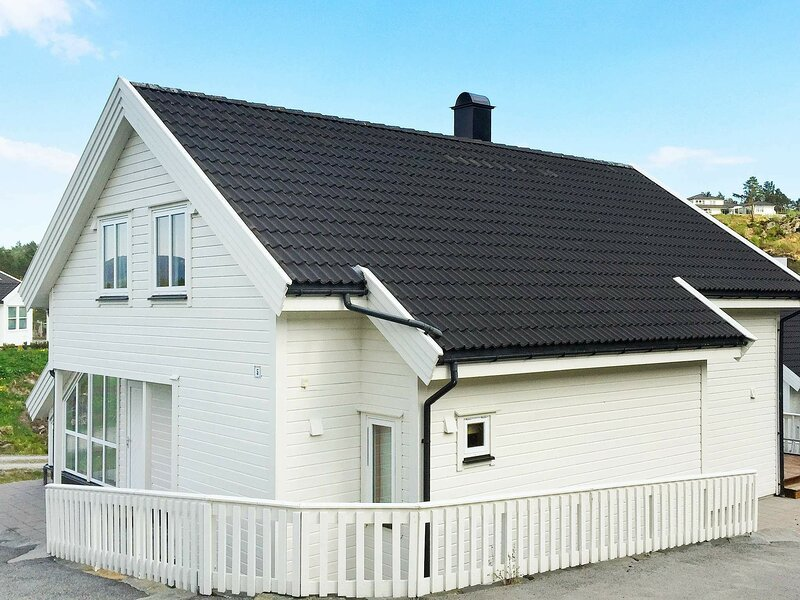 4 star holiday home in Auklandshamn, casa vacanza a Vindafjord Municipality