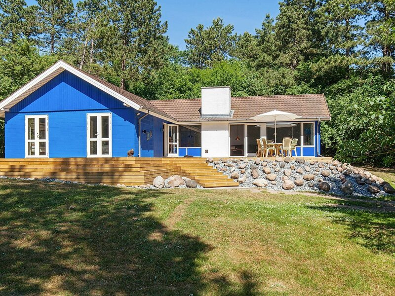 Beautiful Holiday Home in Fårevejle with Terrace, holiday rental in Odsherred Municipality