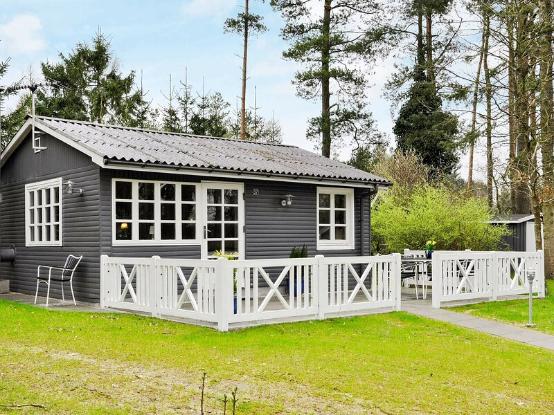 Traditional Holiday Home in Ans with Terrace, casa vacanza a Kjellerup