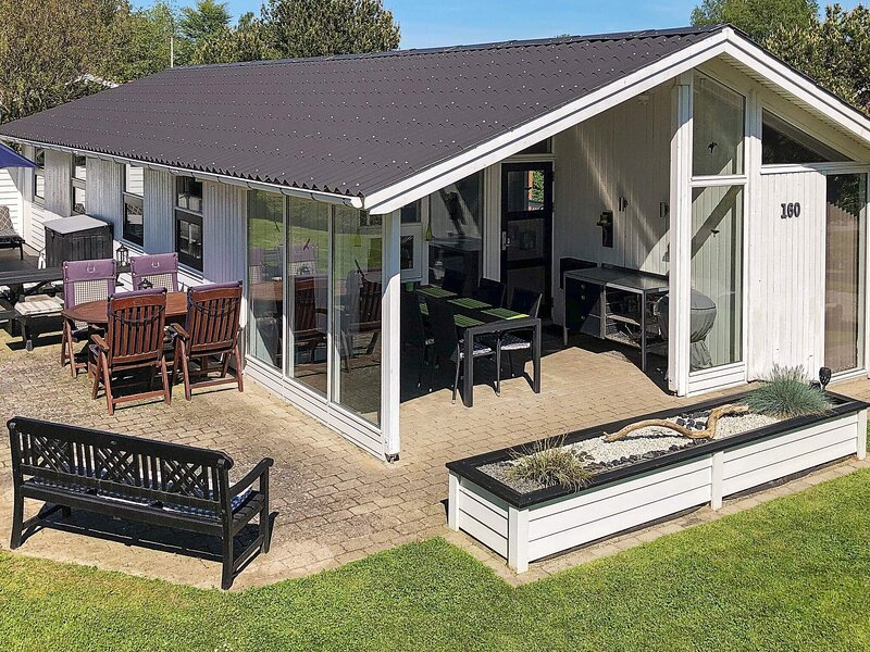 Scenic Holiday Home in Juelsminde with Sauna, location de vacances à Odder