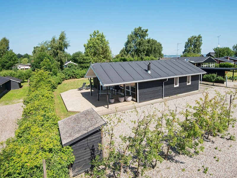 Classy Holiday Home in Jutland with Whirlpool, holiday rental in Bjert