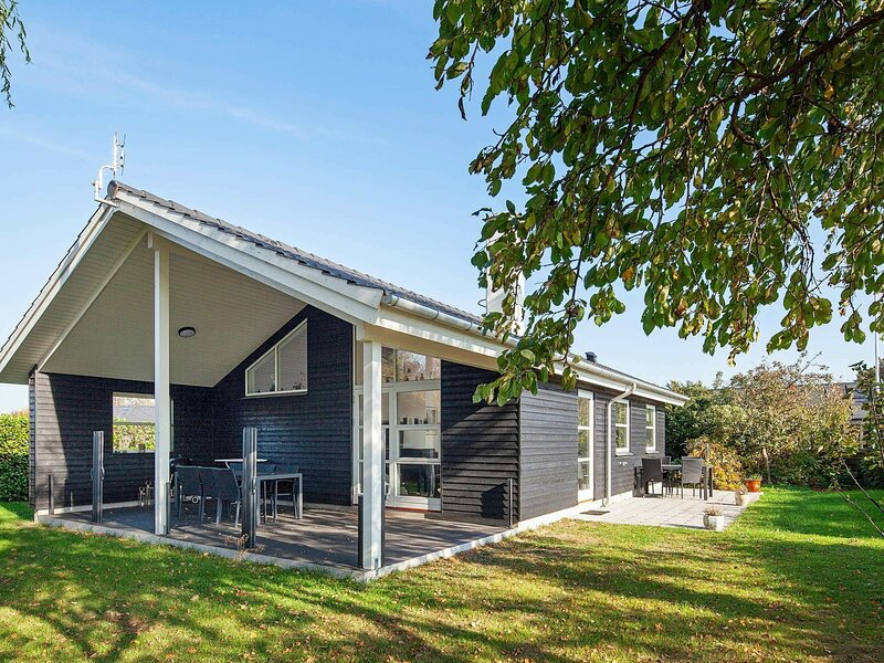Lovely Holiday Home in Zealand with Terrace, holiday rental in Femo