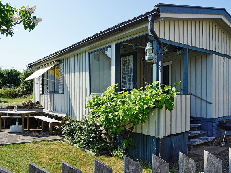 4 person holiday home in KÄLLÖ-KNIPPLA, vacation rental in Gothenburg