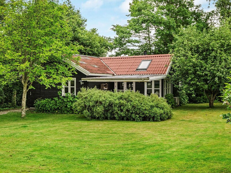 Pretty Holiday Home in Hejls with Garden, vacation rental in Christiansfeld