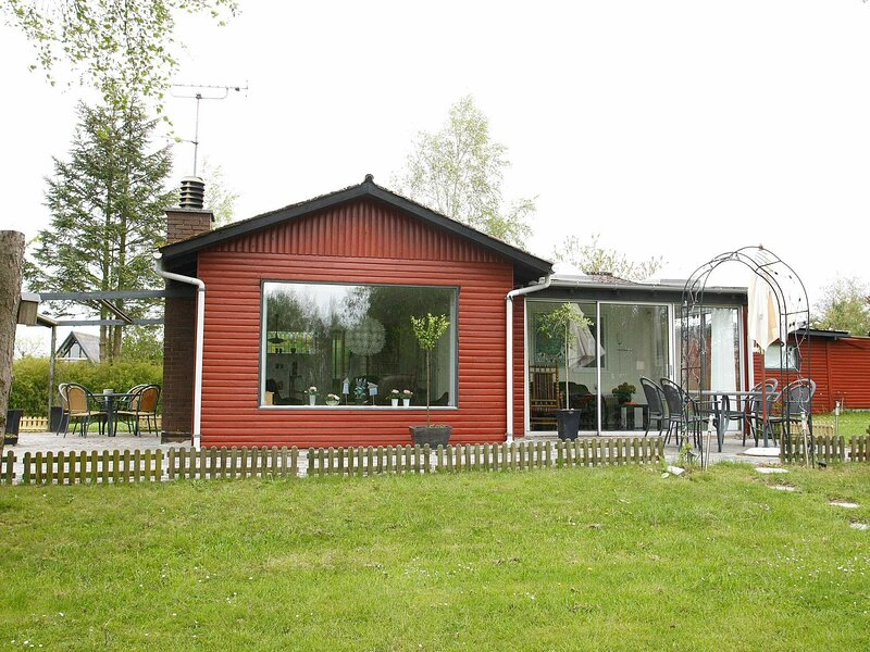 Modern Holiday Home in Ebeltoft With Conservatory, holiday rental in Balle