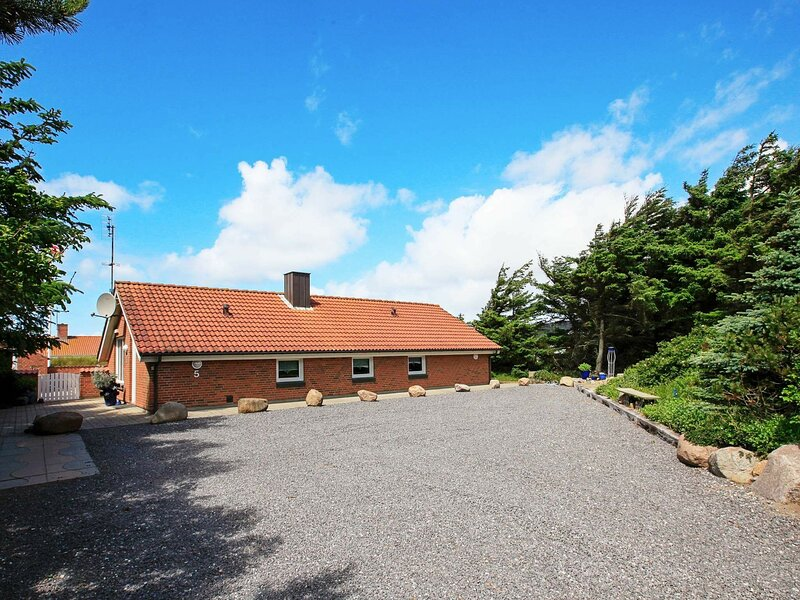 Tranquil Holiday Home in Harboøre With Indoor Pool, holiday rental in Ferring