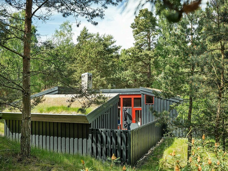 Serene Holiday Home in Nexø Near the Sea, holiday rental in Balka