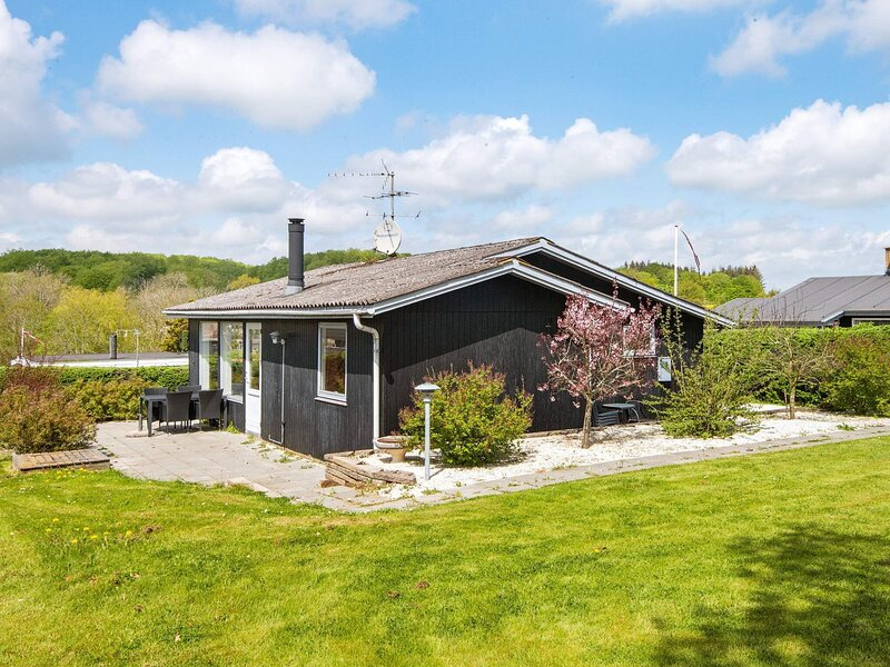 Tranquil Holiday Home in Haderslev With Terrace, holiday rental in Genner