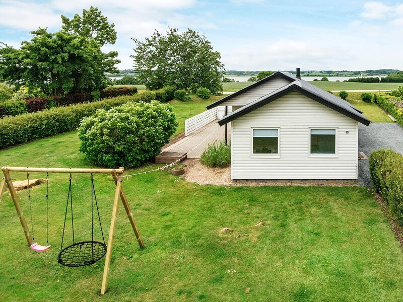 Quaint Holiday Home in Hejls With Indoor Whirlpool, vacation rental in Christiansfeld