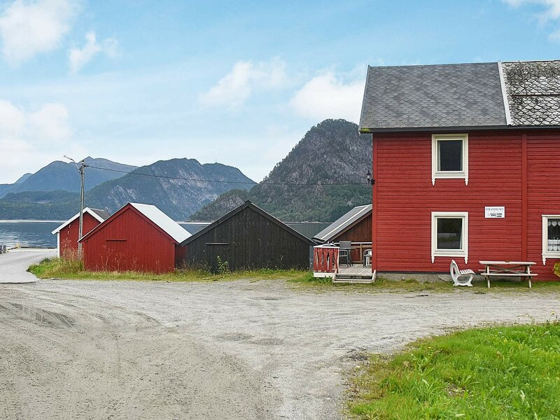 4 person holiday home in Måndalen, casa vacanza a Møre og Romsdal
