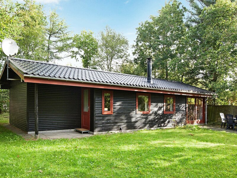 Vintage Holiday Home Near Ulfborg With Conservatory, casa vacanza a Ulfborg