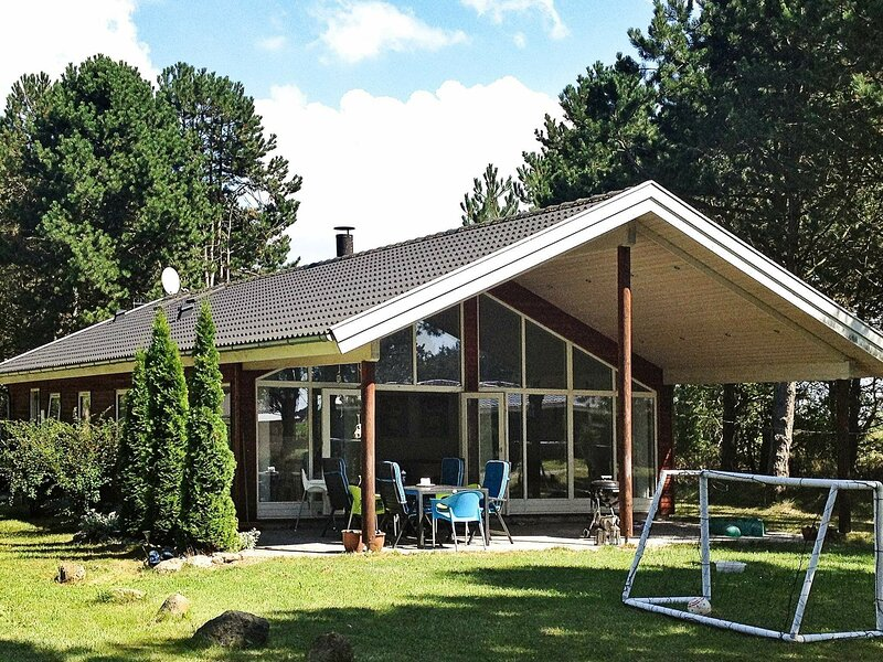 Peaceful Holiday Home in Rødby With Indoor Whirlpool, holiday rental in Maribo