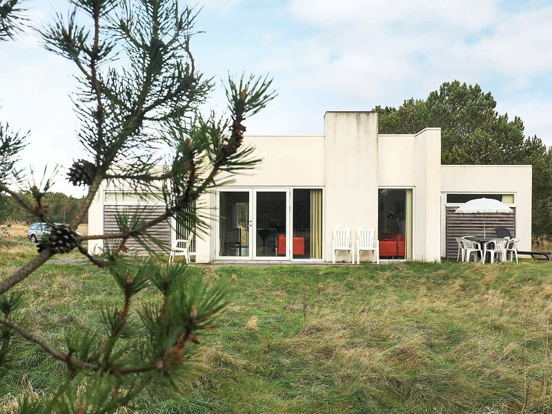 Charming Holiday Home in Ålbæk With Scenic Surroundings, holiday rental in Hulsig