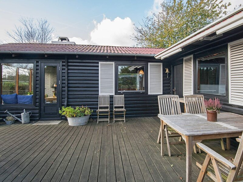 Elegant Holiday Home in Fredericia near Sea, holiday rental in Skive
