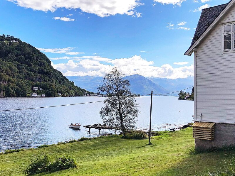 6 person holiday home in øystese, casa vacanza a Jondal Municipality