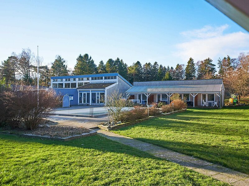 Alluring Holiday Home in Bornholm with Swimming Pool, location de vacances à Dueodde