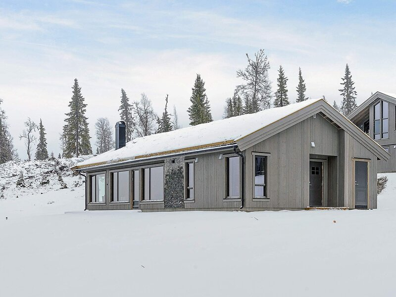 10 person holiday home in Fåvang, holiday rental in Hundorp