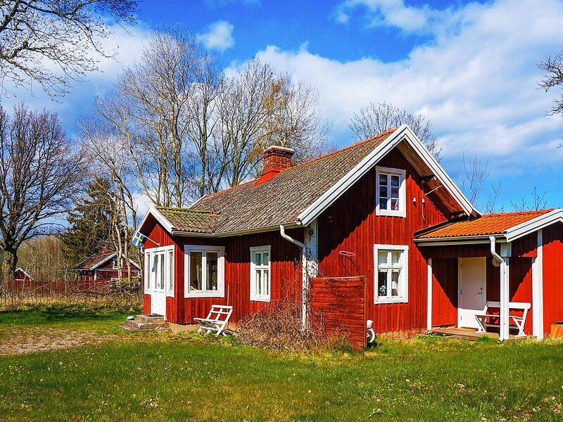 4 person holiday home in KARLSBORG, holiday rental in Tived