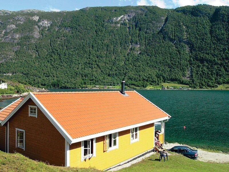 4 star holiday home in SLINDE, holiday rental in Fjaerland