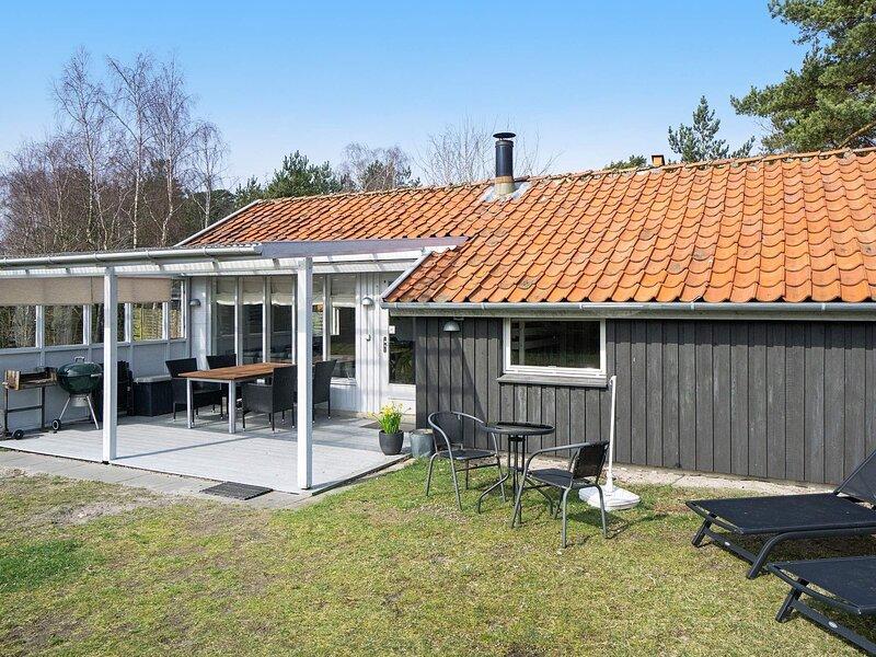 Cozy Holiday Home in Nexø Near Beach of Balka, holiday rental in Balka