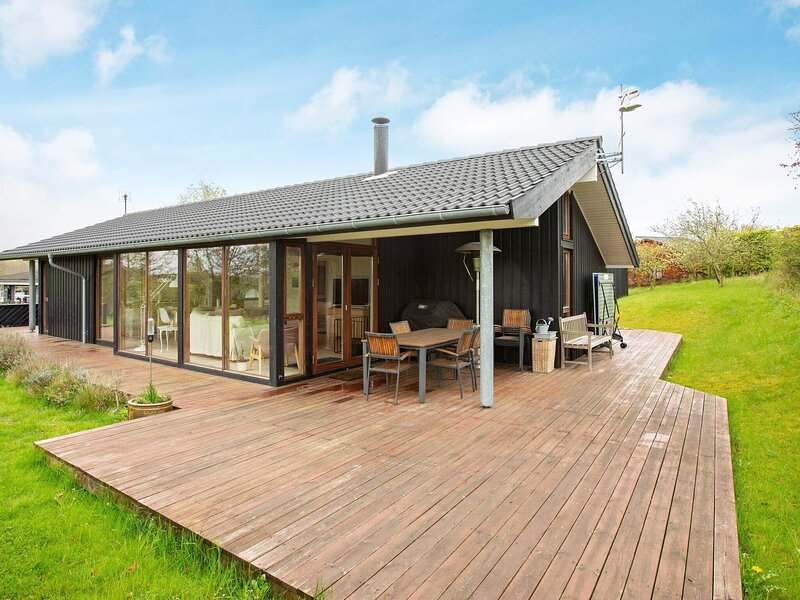 4 star holiday home in Rude, location de vacances à West Zealand