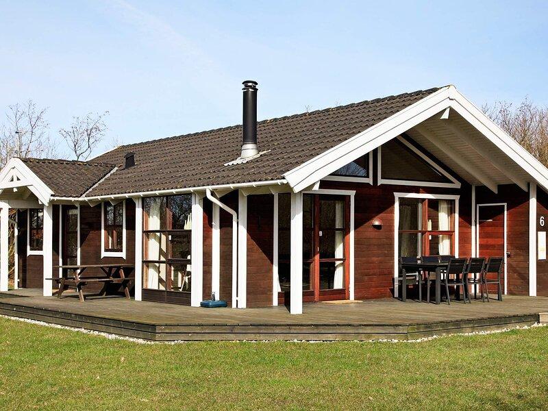 Quaint Holiday Home in Hemmet with Windsurfing Beach, location de vacances à Bork Havn