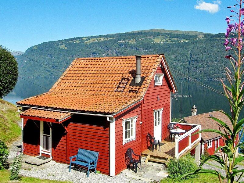 4 person holiday home in Utvik, location de vacances à Nordfjordeid