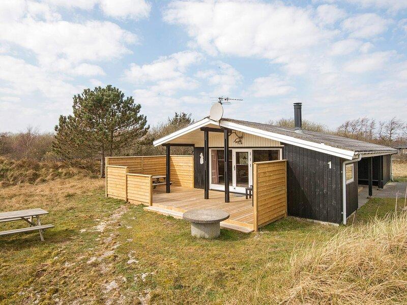 Pretty holiday home in Fanø with Sauna, location de vacances à Gredstedbro