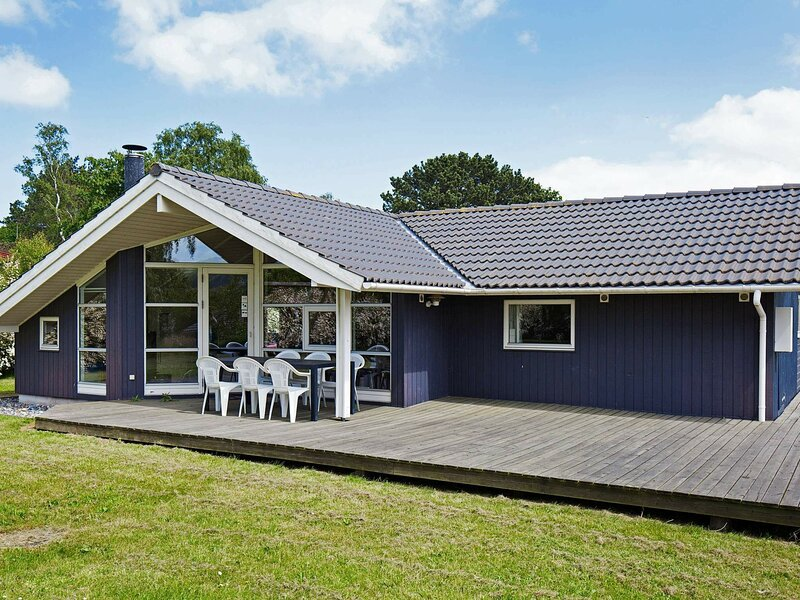 Cozy Holiday Home in Asnæs with Fishing nearby, location de vacances à Gudmindrup