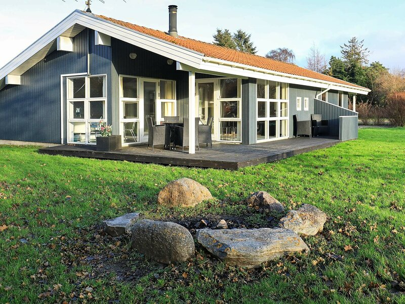 Spacious Holiday Home in Syddanmark with Sauna, location de vacances à Rudkobing