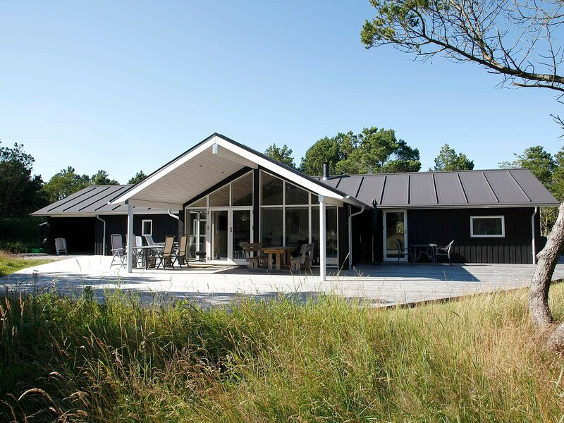 Luxury Holiday Home in Ålbæk with Sauna, holiday rental in Hulsig