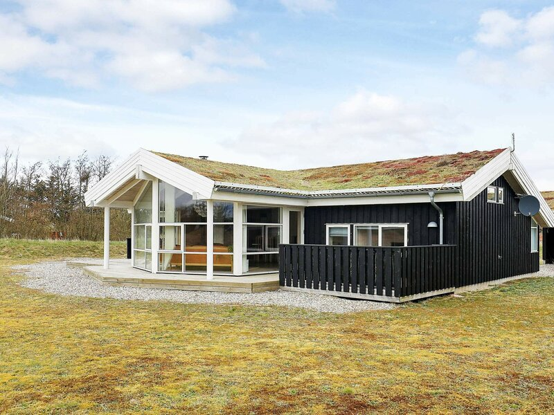 Luxurious Holiday Home in Saltum with Indoor Whirlpool, holiday rental in Pandrup