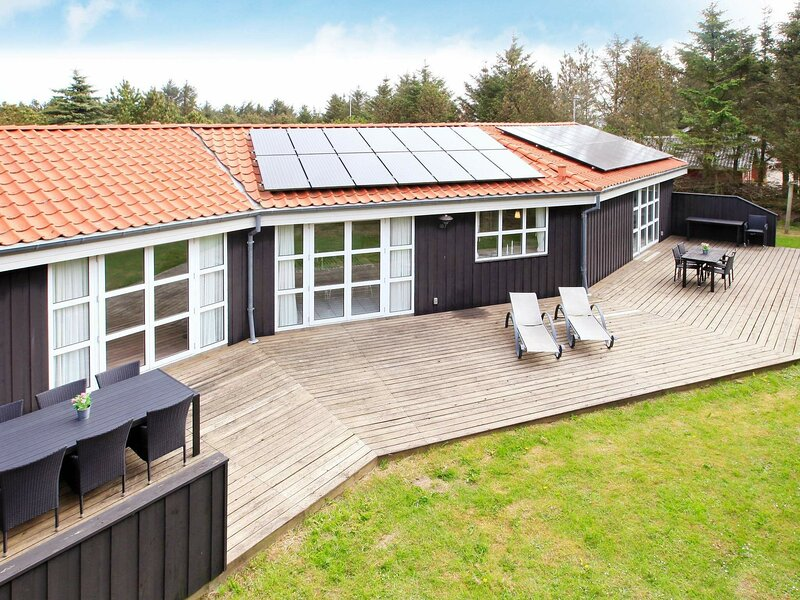 Elite Holiday Home in Lokken Jutland with Swimming Pool, holiday rental in Jammerbugt Municipality