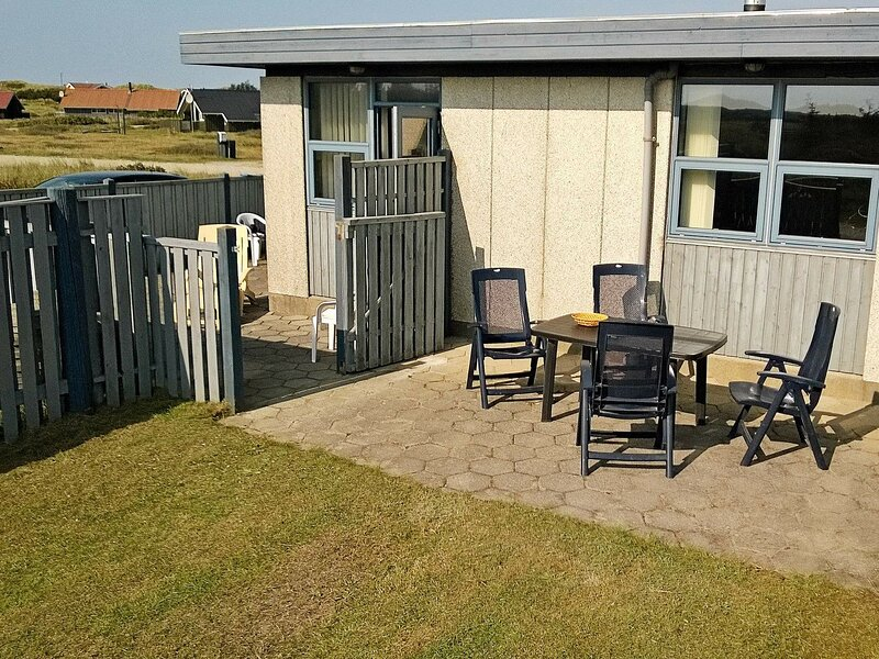 Quaint Holiday Home in Hvide Sande with Whirlpool, holiday rental in West Jutland