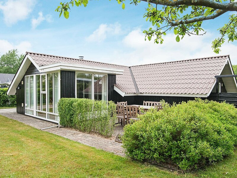 Luxurious Holiday Home in Esbjerg near Sea, casa vacanza a Esbjerg