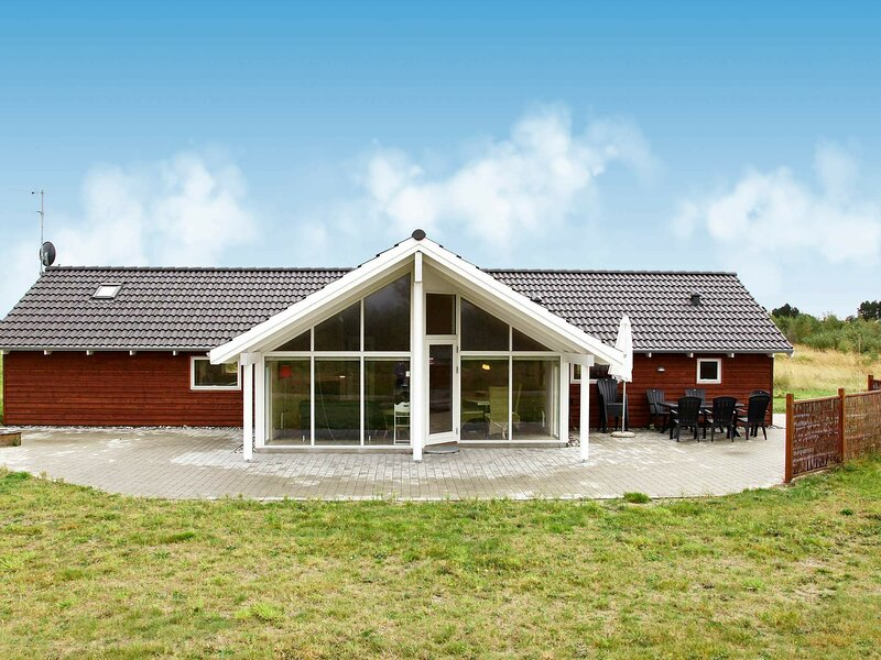 Modern Holiday Home in Rodby with Sauna, holiday rental in Maribo