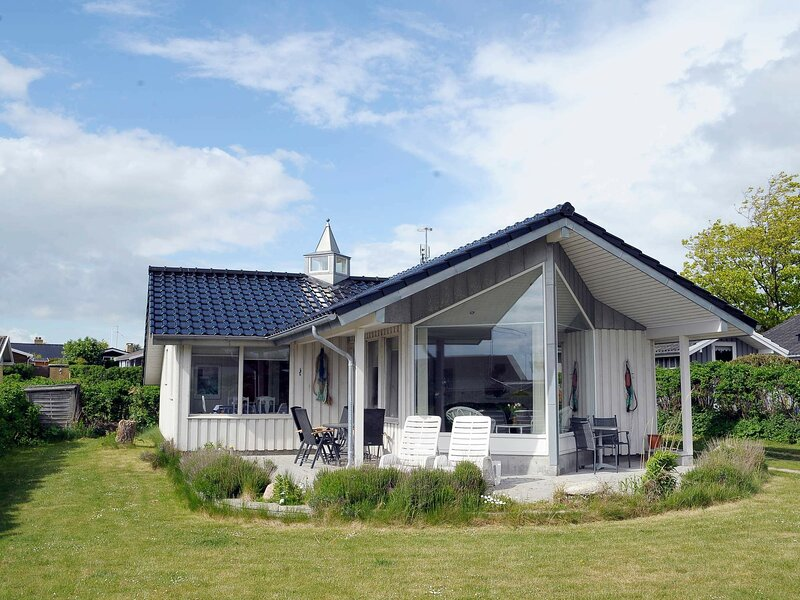 Spacious Holiday Home in Faaborg Denmark with Sauna, holiday rental in Millinge